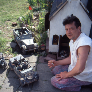 Photographer Mark Hogancamp in his village Marwencol.